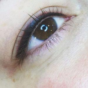 Permanent eyeliner by Amy Kernahan (via IG-amykernahan) #permanentmakeup #eyeliner #cosmetictattoo #micropigmentation #AmyKernahan