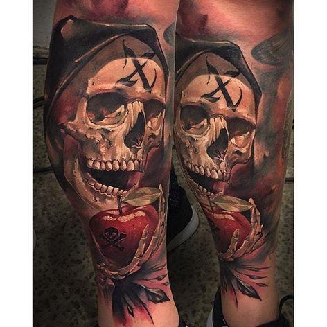 Skull and poison apple tattoo by Benjamin Lauis. #skull #apple #poison #realism #colorrealism #BenjaminLaukis #TheBlackMark