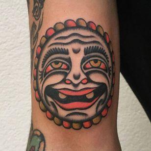 Bert Grimm Sun Tattoo by Coque Sin Amo #sun #bertgrimm #bertgrimmsun #bertgrimmdesign #classicsun #traditional #CoqueSinAmo