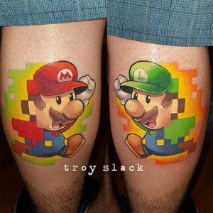 Mario e Luigi #TroySlack #nerd #geek #diadoorgulhonerd #diadatoalha #mariobros #luigi #mario #game #jogo #nintendo #pixel #pixelada
