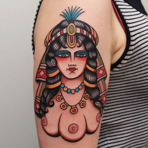 A strange lady head with three breasts by Vic James (IG—vic_james_). #ladyhead #traditional #VicJames