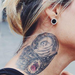 Owl with an anatomical heart #owl #bird #blackandgrey #anatomicalheart #heart #neck #TattooStreetStyle #StreetStyle
