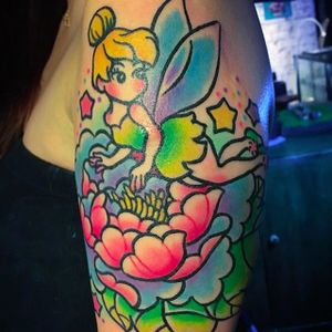 Tinkerbell tattoo by @pikkapimingchen #neotraditional #cartoon #cartoonstyle #tinkerbell #peterpan #bright_and_bold #neon