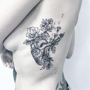 Anatomical heart tattoo by Anna Bravo #AnnaBravo #flower #floral #botanical #monochrome #anatomicalheart