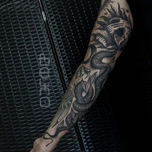 Snake Skull Tattoo by Belmir Huskic #traditional #traditionaltattoo #darktraditional #darktattoos #oldschool #darkartists #BelmirHuskic