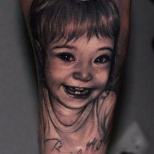 Childlike smile. (via IG - riccardo_cassese_tattoo) #BlackAndGrey #Portrait #Portraiture #RiccardoCassese