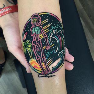 #Raro #gringo #colorido #colorful #neon #fun #divertida #psychedelic #psicodelica #surrealism #surrealism #skull #caveira #esqueleto #skeleton #astronauta #astronaut #onda #wave #coqueiro #coconuttree #ceu #sky #saturno #saturn #saturno #planeta #planet