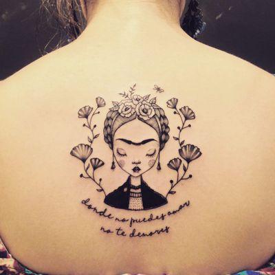 Fridinha por Marta Carvalho! #MartaCarvalho #TokaStudio #tattoobr #tattoodobr #frida #fridakahlo #feminism #feminismo #feminist #feminista #fineline #traçofino #linhafina