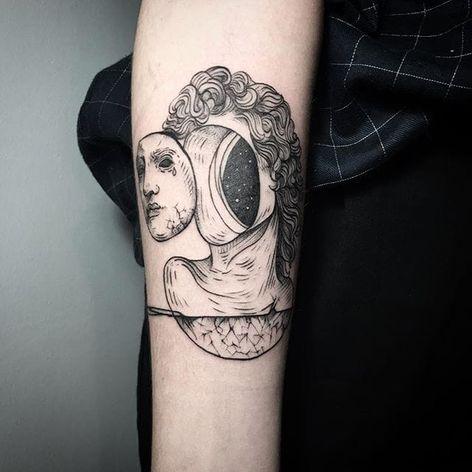 Cosmic statue tattoo by Lesya Kovalchuk. #LesyaKovalchuk #blackwork #greek #statue #cosmic #faceless #trippy #space #galaxy