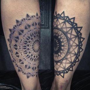Matching negative mandala tattoos by Jared Asalli. #JaredAsalli #SoutheastAsia #Singapore #matching #mandala #dotwork