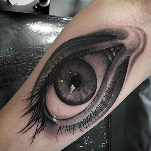 A giant hyperrealist black and grey eye by Steve Morante (IG—steve_h_morante). #blackandgrey #eye #hyperrealism #SteveMorante