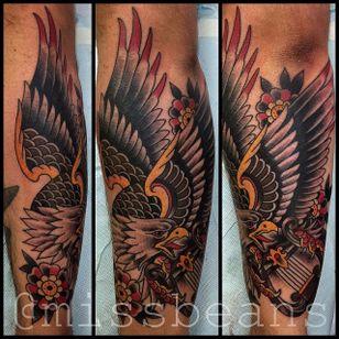 Eagle Tattoo by Jessie Beans #eagle #traditionaleagle #colorfultattoo #traditional #traditionaltattoo #boldtattoos #brigthtattoos #JessieBeans