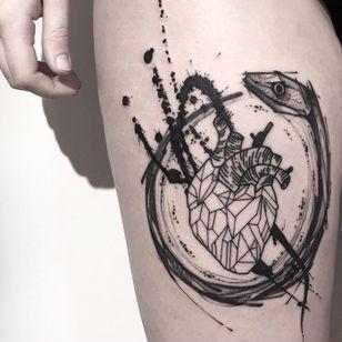 Anatomical heart tattoo by Matteo Gallo #MatteoGallo #trashstyle #graphic #blackwork #sketch #abstract #anatomicalheart #ouroboros #snake