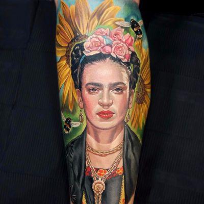 The illustrious Frida Kahlo by Jordan Croke #JordanCroke #FridaKahlo #portrait #painter #watercolor #bee #sunflower #Mexico #roses #color #realistic #realism #hyperrealism #tattoooftheday