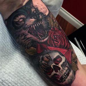Wolf Tattoo by Hannah Flowers #wolf #wolftattoo #neotraditional #neotraditionaltattoo #neotraditionaltattoos #neotraditionalartist #HannahFlowers