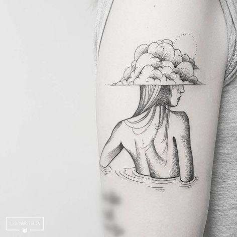 #LeoMarsiglia #brasil #brazil #brazilianartist #tatuadoresdobrasil #blackwork #fineline #pontilhismo #dotwork #woman #mulher #nuvem #cloud #agua #water