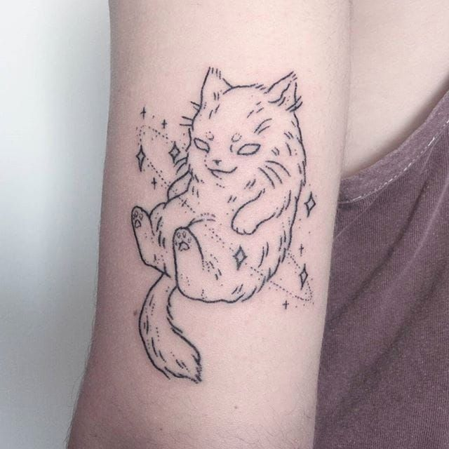 Handpoked space cat tattoo by Teagan Campbell. #TeaganCampbell #handpoke #linework #cute #creature #cat #space