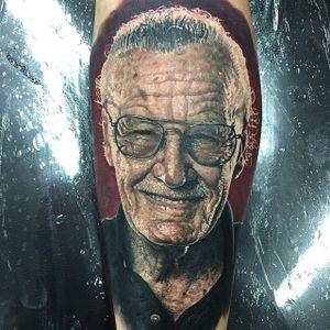 Stan Lee Tattoo by Steve Butcher #stanlee #stanleetattoo #stanleetattoos #marvel #marveltattoo #marveltattoos #comictattoo #marvelcomics #portrait #portraitrealism #SteveButcher