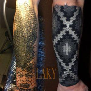 Cover up! #coverup #snake #cobra #realism #realismo #tatuagensrealistas #LakyTattoos #brasil #brazil #portugues #portuguese