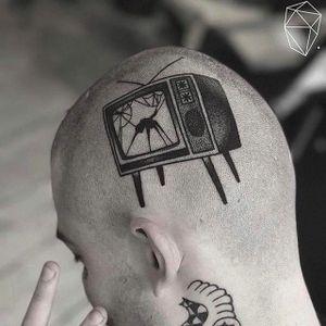 TV on the brain by Feca Lanfredi (via IG -- parloiruk) #FecaLanfredi #tv #tvtattoo #television #televisiontattoo