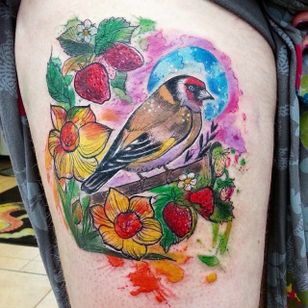 Beautiful goldfinch by Joanne Baker (via IG -- milky_tattoodles) #JoanneBaker #bird #birdtattoo #goldfinch #goldfinchtattoo