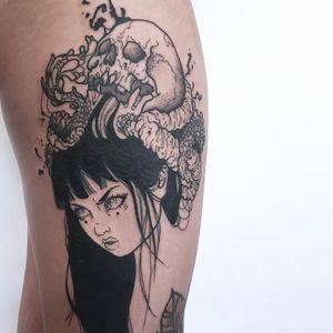 Skull and lady tattoo by Silly Jane #SillyJane #illustrative #blackfill #blackandgrey #skull #guts #darkart #linework #blood #portrait #ladyhead #lady #bloodsplatters #Japanese #newtraditional #mashup #manga