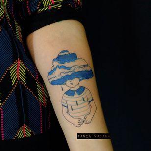 Emotional tattoo by Tania Vaiana #TaniaVaiana #illustrative #minimalistic #cloud #rain