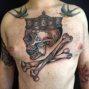 Badass hand-poke skull and bones tattoo by Adam Sage #handpoke #handpoked #AdamSage #skull #bones #crown #handcrafted