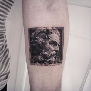 Ancient deity by Cold Gray #ColdGray #blackandgrey #realism #realistic #hyperrealism #statue #stone #zeus #sculpture #tattoooftheday