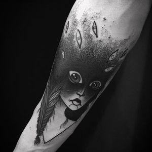 Girl and Eyes Tattoo by Laura @Laurayahna #Launwolf #Laurayahna #Black #Blackwork #Girl #PechschwarzTattoo #Berlin