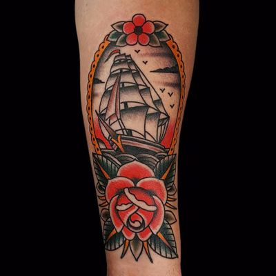 Rose of the sea by Paul Aherne #PaulAherne #color #traditional #daisy #ship #boat #sails #sky #seagulls #sailor #rose #leaves #flower #nature #oceanlife #tattoooftheday