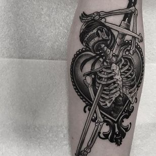 A blindfolded skeleton run through with a saber by Neil Dransfield (IG—neil_dransfield_tattoo). #black #dark #heart #NeilDransfield #neotraditional #saber #skeleton