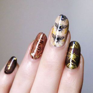 Natural History by Lady Crappo (via IG-ladycrappo) #nailart #artist #art #natural #insects #ladycrappo