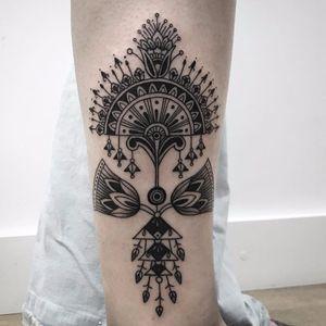 Lotus motif by Xapiripa #Xapiripa #blackwork #linework #dotwork #ornamental #pattern #dessign #lotus #fan #floral #jewelry #tattoooftheday