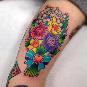 Vim lhe trazer esse buquê #RobertoEuan #gringo #fullcolor #colorida #flores #flowers #coração #heart #folha #leaf