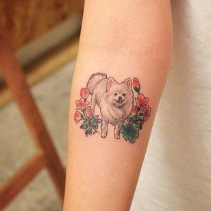Cute dog tattoo by Grain. #Grain #TattooistGrain #fineline #animals #cute #dog #flowers #pet