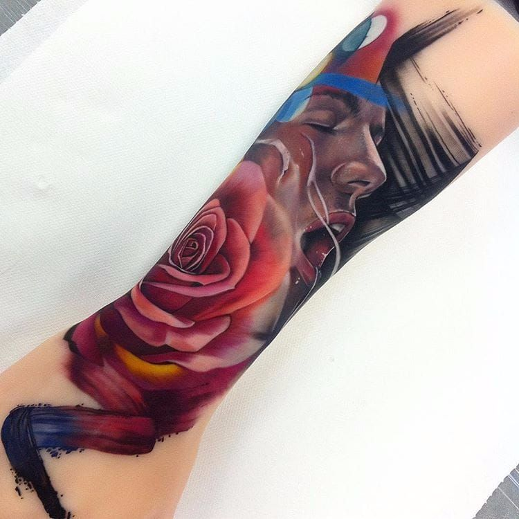 Por Freddie Albrighton #FreddieAlbrighton #gringo #colorido #colorful #realismo #realism #realismocolorido #flor #flower #rose #rosa #woman #mulher