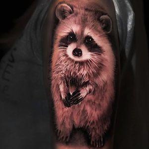 Shinhye Kim (Shine) #shine #ShinhyeKim #blackandgrey #realistic #raccoon #tattoooftheday
