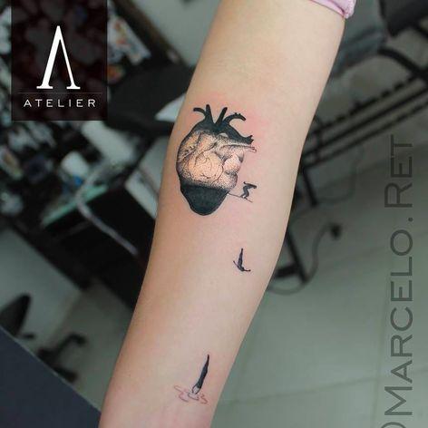 Tatuagem de coração por Marcelo Ret! #MarceloRet #TatuadoresBrasileiros #TatuadoresdoBrasil #TattooBr #TattoodoBr #heart #coração #mergulhador #dotwork #pontilhismo