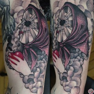 Black and red semi-abstract tattoo by Łukasz Sokołowski. #LukaszSokolowski #semiabstract #blackandred #abstract #graphic #conceptual #snowwhite