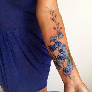 Tiny blues by Amanda Wachob (via IG-amandawachob) #flowers #floral #watercolor #color #illustrative #AmandaWachob