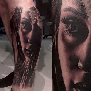 Amazing black and grey portrait tattoo by Claudia Reato. #ClaudiaReato #portrait #blackandgray #woman #realistic #realism