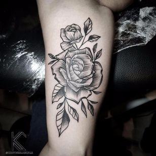 #KreynerLaScala #brasil #brazil #brazilianartist #tatuadoresdobrasil #balckwork #pontilhismo #dotwork #flor #flower #rosa #rose #folha #leaf #botanica #botanical
