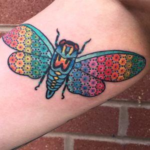 Por Tomas Garcia #TomasGarcia #gringo #colorido #colorful #tradicional #oldschool #degrade #padrao #pattern #arcoiris #rainbow #moth #mariposa #inseto #bug