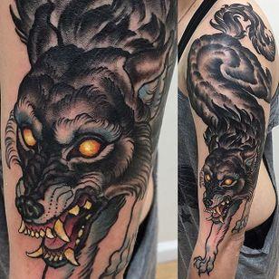 Wolf Tattoo by Matt Buck #wolf #wolftattoo #freehandwolf #freehand #freehandtattoo #freehandtattoos #drawnon #drawnondesign #nostencil #nostenciltattoo #MattBuck