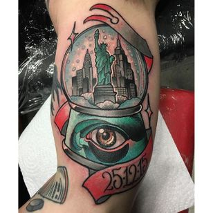 New York in a snow globe tattoo by Rizza Boo. #snowglobe #glass #RizzaBoo