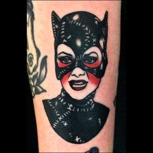 Mulher Gato no tradicional #HollyEllis #GothamCitySirens #SereiasDeGotham #Catwoman #mulhergato #dc #comic #cartoon #movie #filme #heroes #villains #badgirls #girlpower #tradicional #SelinaKyle