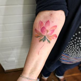 Lotus #LCJunior #brazilianartist #brasil #brazil #tatuadoresdobrasil #aquarela #watercolor #lotus #flordelotus #lotusflower #flor #flower #botanical #botanica