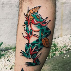 Leaves and frog tattoo by Liam Alvy #liamalvy #neotraditional #oldschool #traditional #animal #thefamilybusiness #london #frog