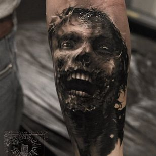 Zombie tattoo by Neon Judas #NeonJudas #DavidRinklin #blackandgrey #realistic #realism #macabre #horror #zombie
